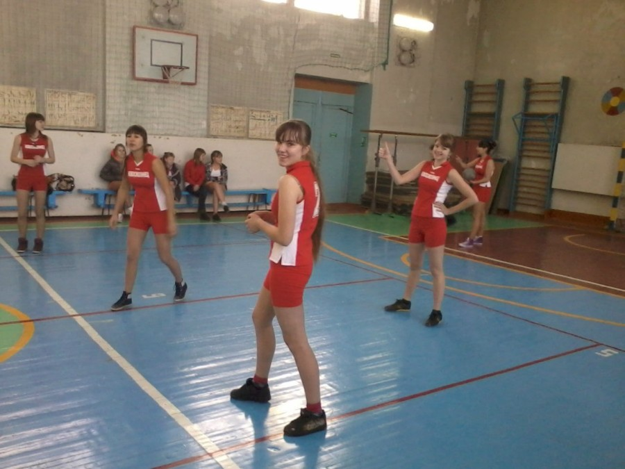 Школьные команды по волейболу заняли третьи места в районе